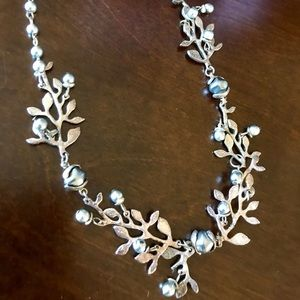 Cecile Jeanne 16 inch floral silver necklace